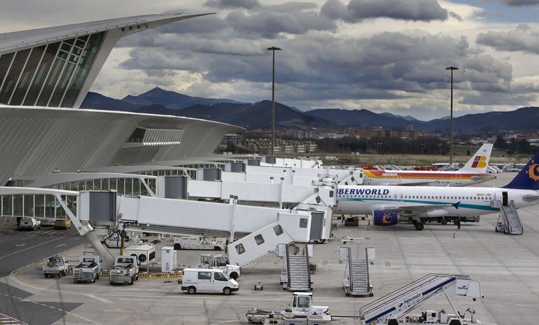 aeropuerto bilbao-three times